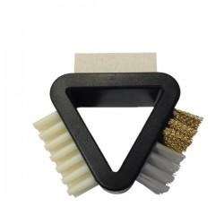 Brosse d'entretien 3 en 1 de Lowa, adaptable aux divers types de chaussures et leurs diverses finitions et matériaux extérieurs.