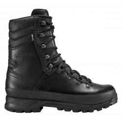La chaussure Combat Boot GTX® de Lowa en cuir, étanche et respirante grâce à sa membrane Gore-Tex® et confortable, offre toutes les qualités d'une bonne chaussure de combat.